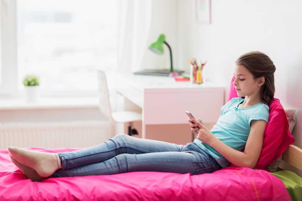 monitor kids phone